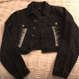 Detailed black denim jacket.